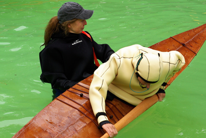 learning to roll a greenland kayak