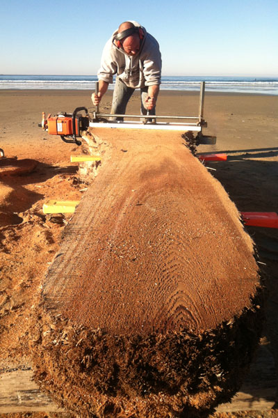 Chainsaw milling on Manzanita beach